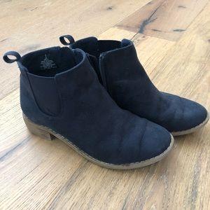 Girls Old Navy Chelsea Boot